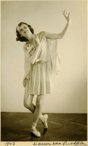 Hepburn dancing in 1942